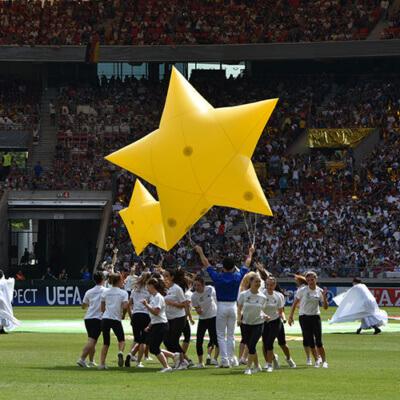 aufblasbarer-Stern-Eroeffnung-U19-EM-Stuttgart